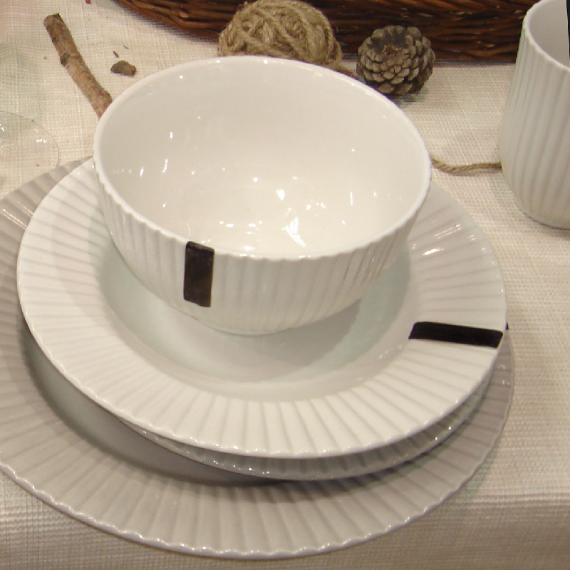 embossed tableware set